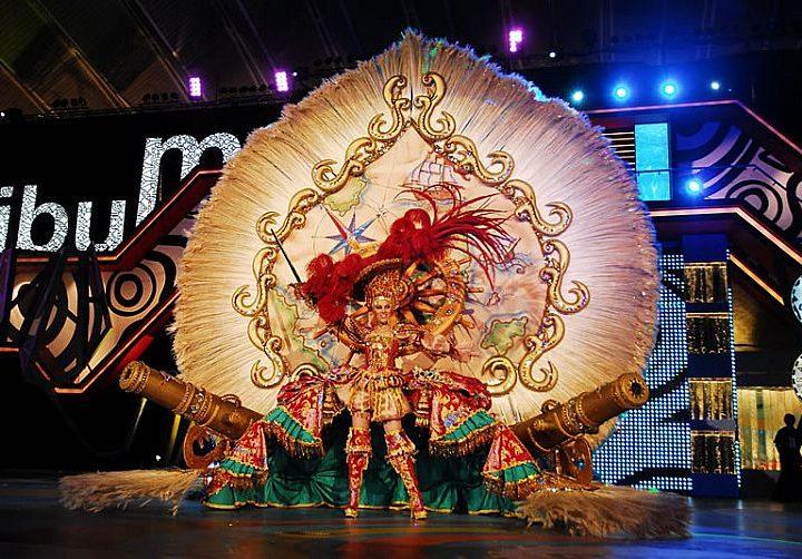Carnaval en Canarias: ¡7 razones para navegar en las islas y celebrar la fiesta más alegre del año!