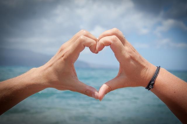 3 regalos náuticos para enamorar a tu pareja el Día de San Valentín:  ¡y demuestra tu amor en el mar!