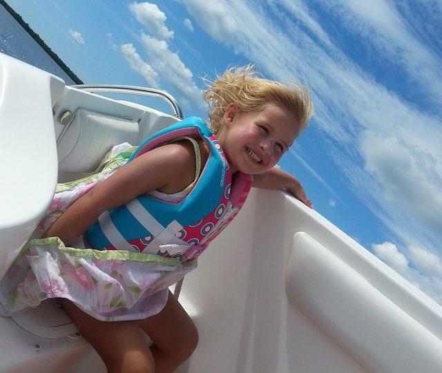 ¿Conoces los beneficios del mundo náutico  para los niños? ¡Navega con tus hijos!