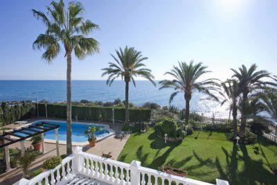 Pisos con vistas al mar en Alicante y actividades náuticas: ¡disfruta el verano desde Torrevieja hasta El Campello!