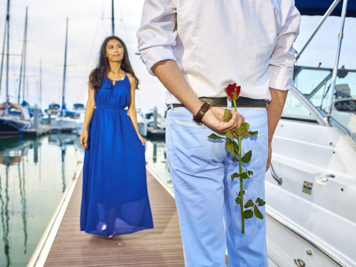 Tres regalos para amantes de los barcos: ¡Elige navegar y conquista a tu pareja en San Valentín!