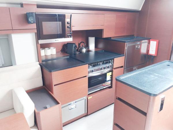 HANSE-548-cocina